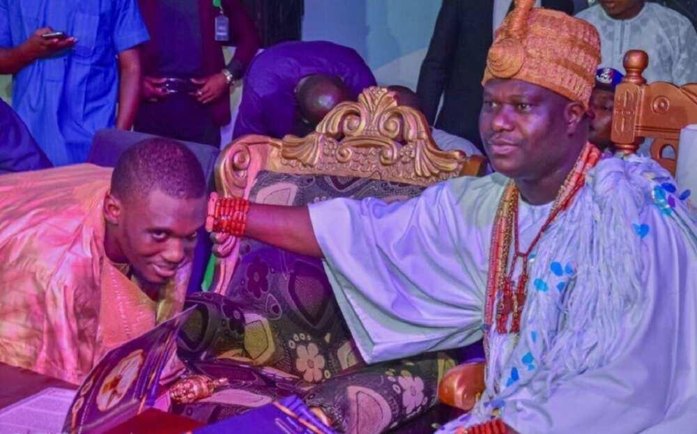 Sarkin Ife ya bai wa jikan Shagari mukami