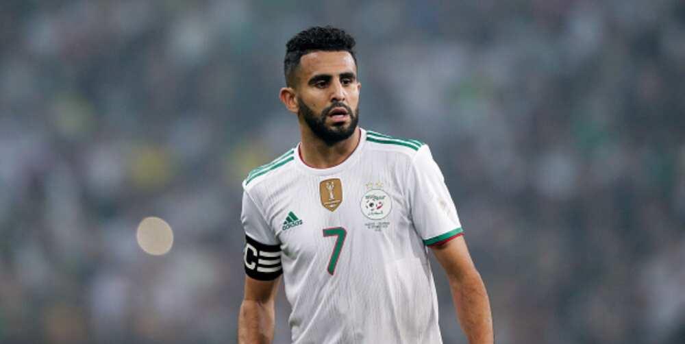 Riyad Mahrez scores contender for best goal during Algeria's draw with Zimbabwe