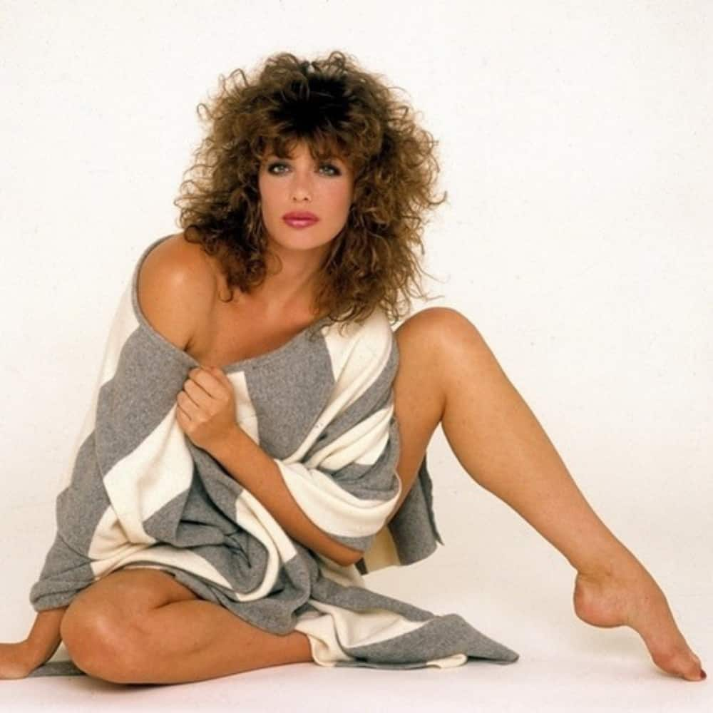 pictures of Kelly Lebrock