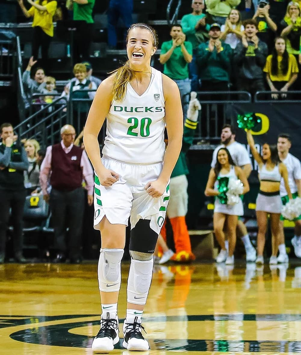 does sabrina ionescu have a twin?
