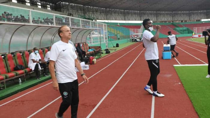 Gernot Rohr discloses the stunning secret that helped Super Eagles beat CAR in Cameroon