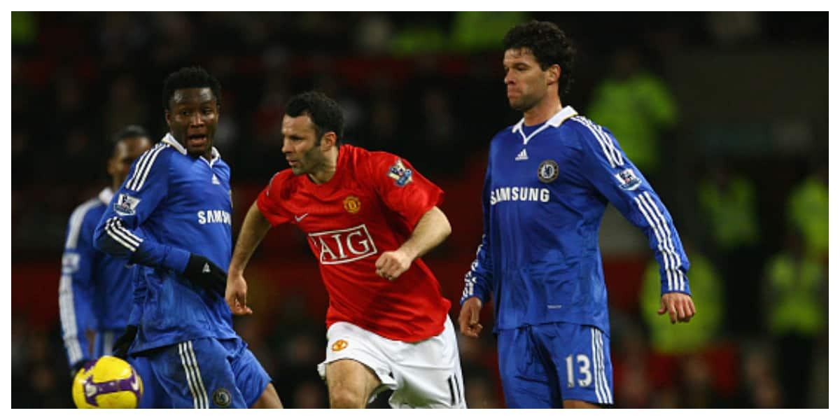 Ballack doesn't like players running at him - Giggs recalls Freguson advise