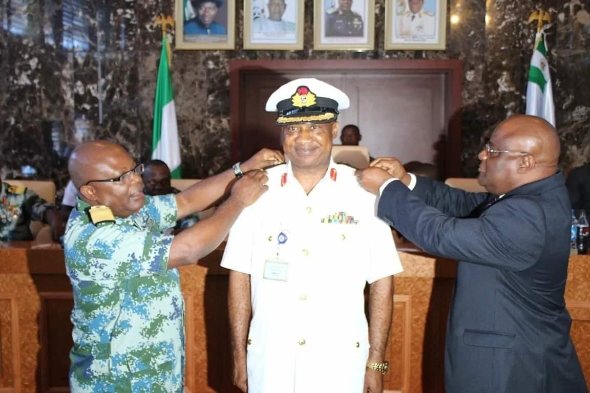 Decorating a naval officer