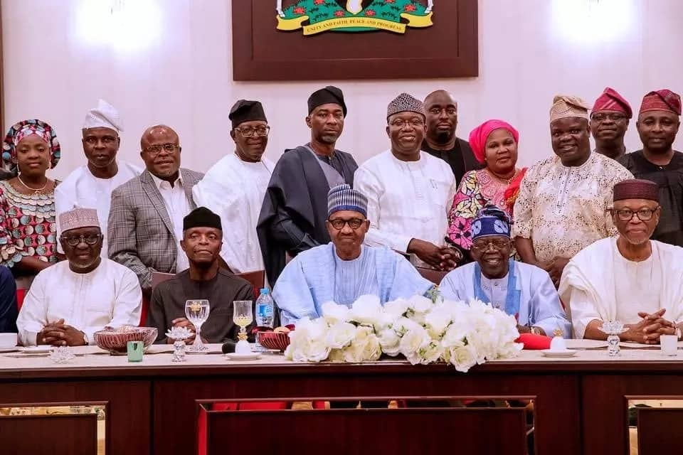 President Buhari hosts APC southwest leaders to dinner (photos)