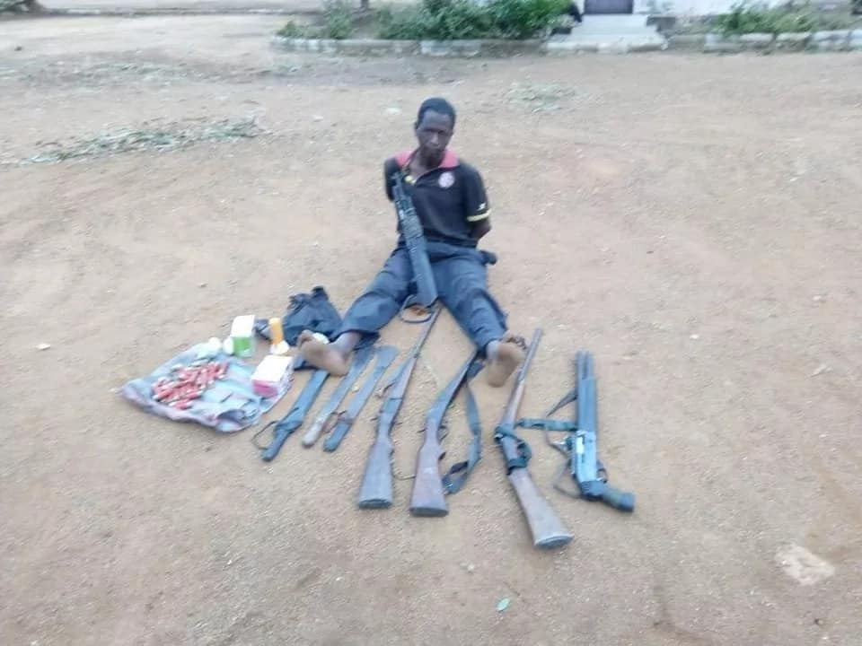 Soldiers repel deadly attack by bandits in Taraba, recover weapon (photos)