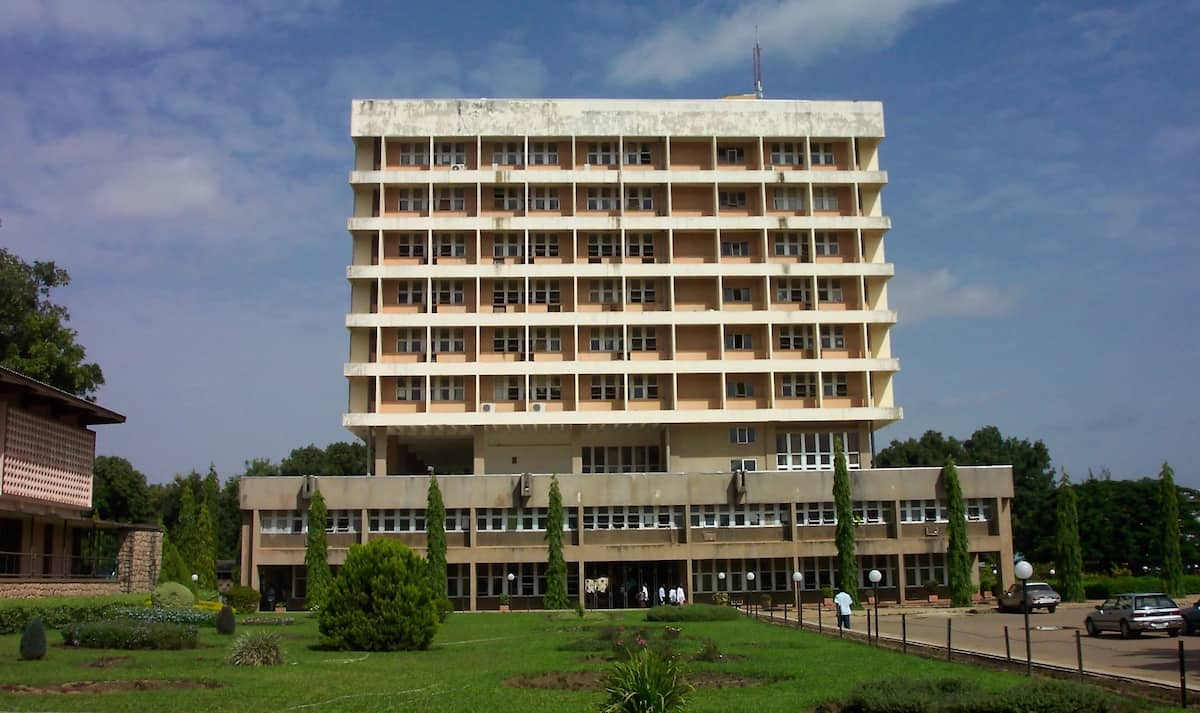 Ahmadu Bello University admission requirement