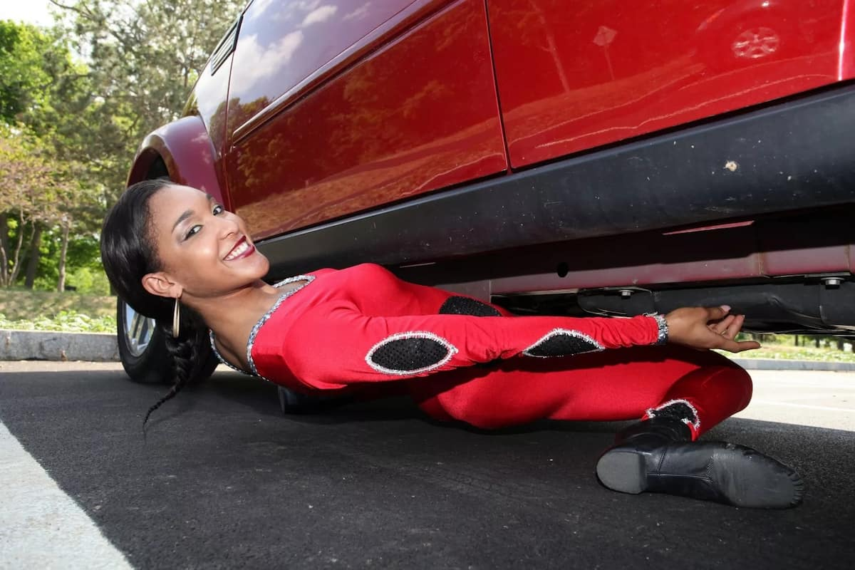 Girl Becomes World's 1st Person To Ever Limbo Under Car