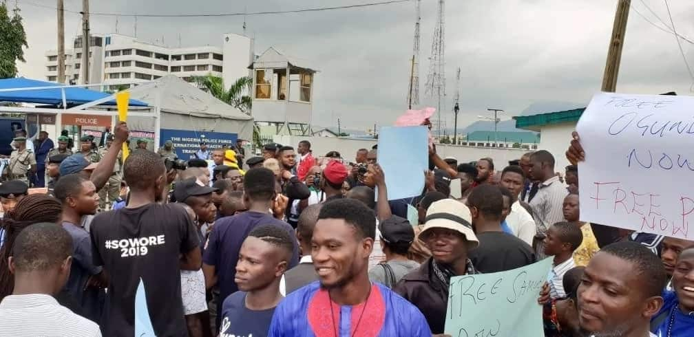 Sowore storms Police HQ, secures release of detained journalist