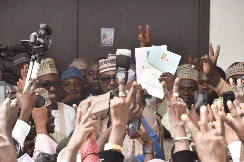 Market traders pick nomination form for Governor Bello of Niger state