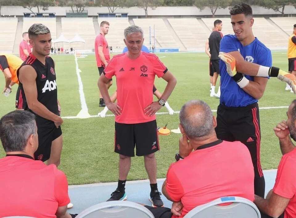 Jose Mourinho plotting huge deal for Bayern's Robert Lewandowski and Thiago Alcantara