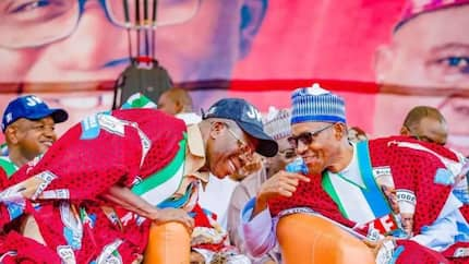 Buhari reportedly wades into Oshiomhole/APC governors crisis, orders DSS to stay away from party affairs