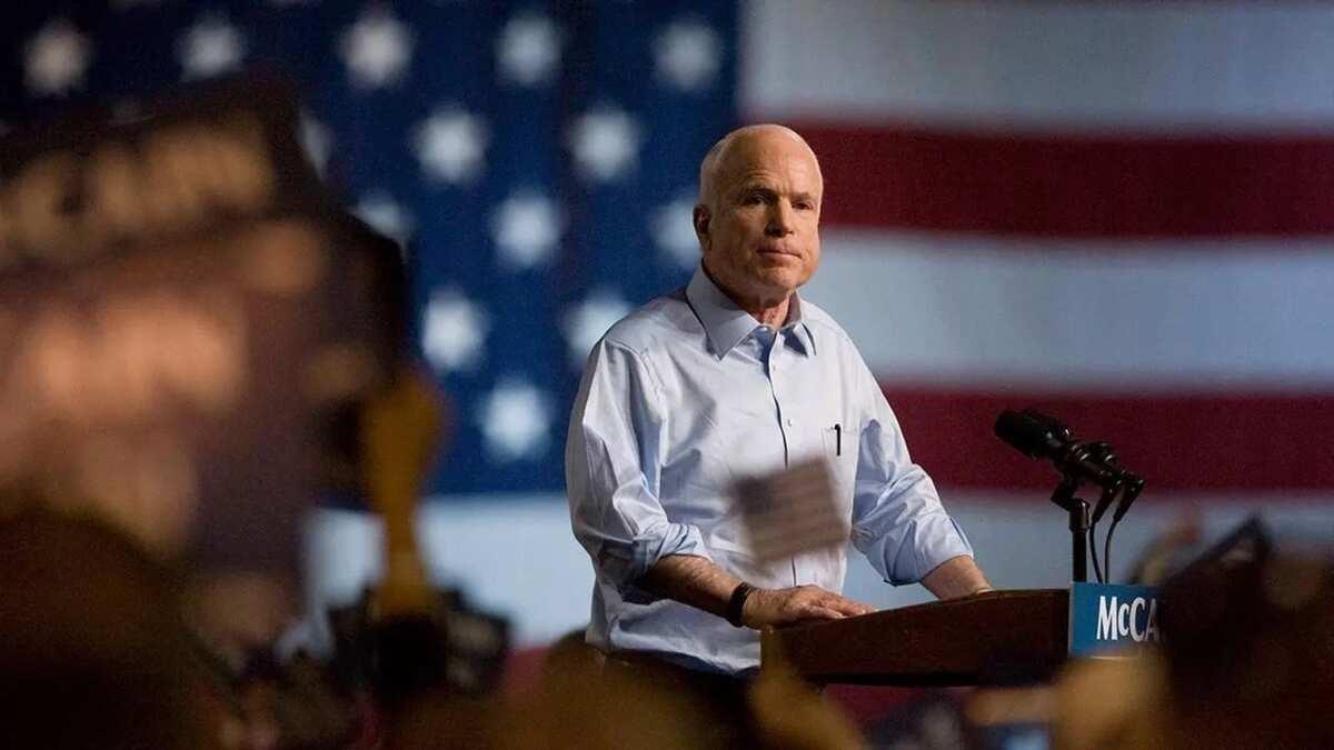 McCain ya kasance mai gabatar da kudurori kan sha'anin tsaron kasar Amruka a majalisar dattijai