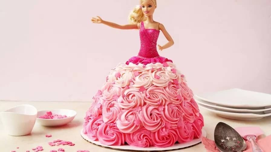 A cake in the form of the doll dress