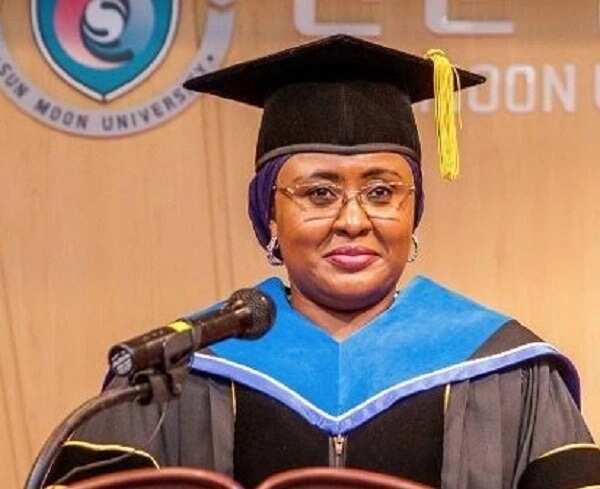 Karin matsayi: Aisha Buhari ta zama mai digiri da digir-gir