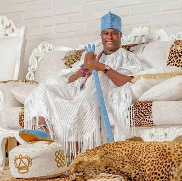 6 beautiful ladies hustle to win the heart of Ooni of Ife, 2 allegedly have upper hands