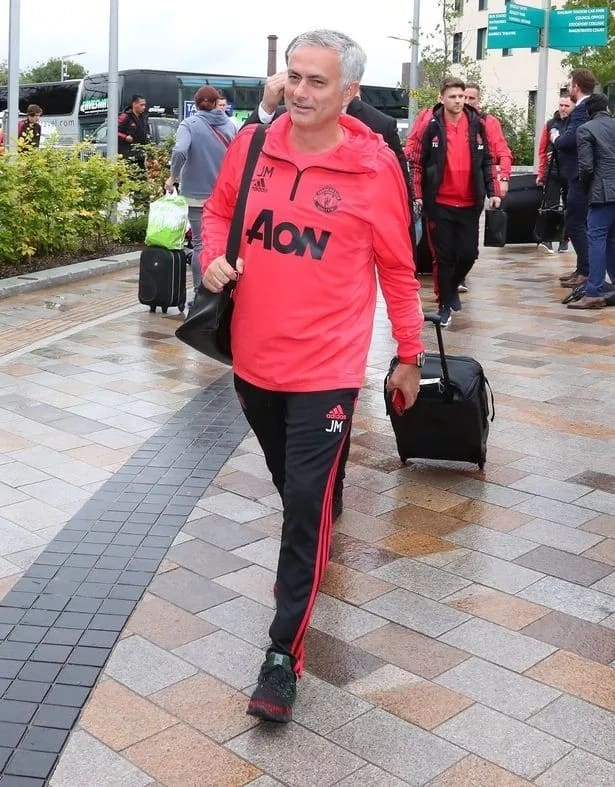 Jose Mourinho and Man United squad join
