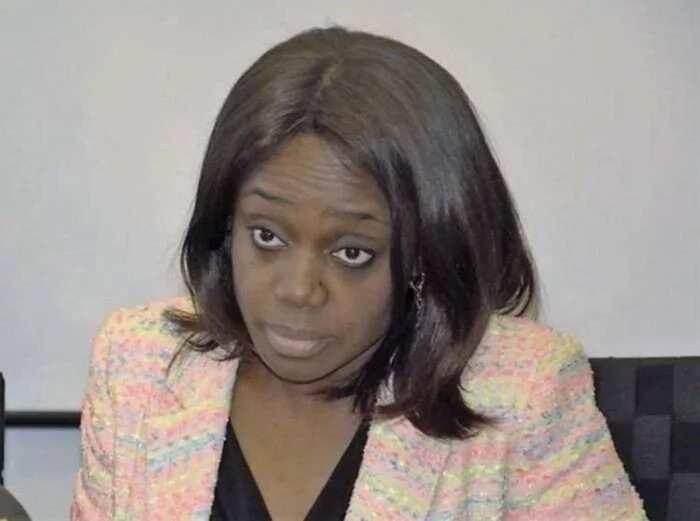 Ashe Kemi Adeosun minister kudi bata yi bautar kasa ba. Ko za'a sauke ta?