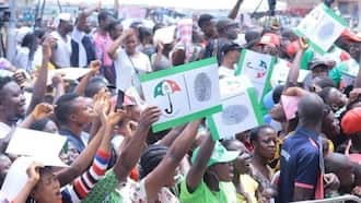 Breaking: Police vehicle burnt as violence erupts at PDP rally