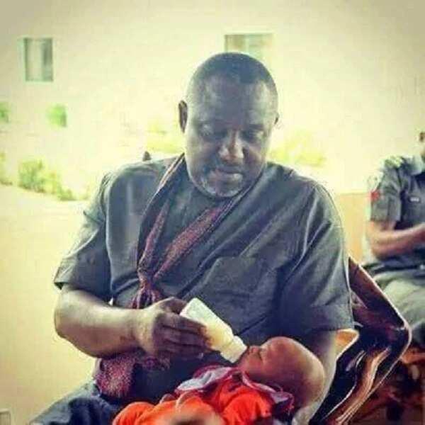 Abubuwan ban mamaki da yan siyasa keyi kafin zabe (hotuna)