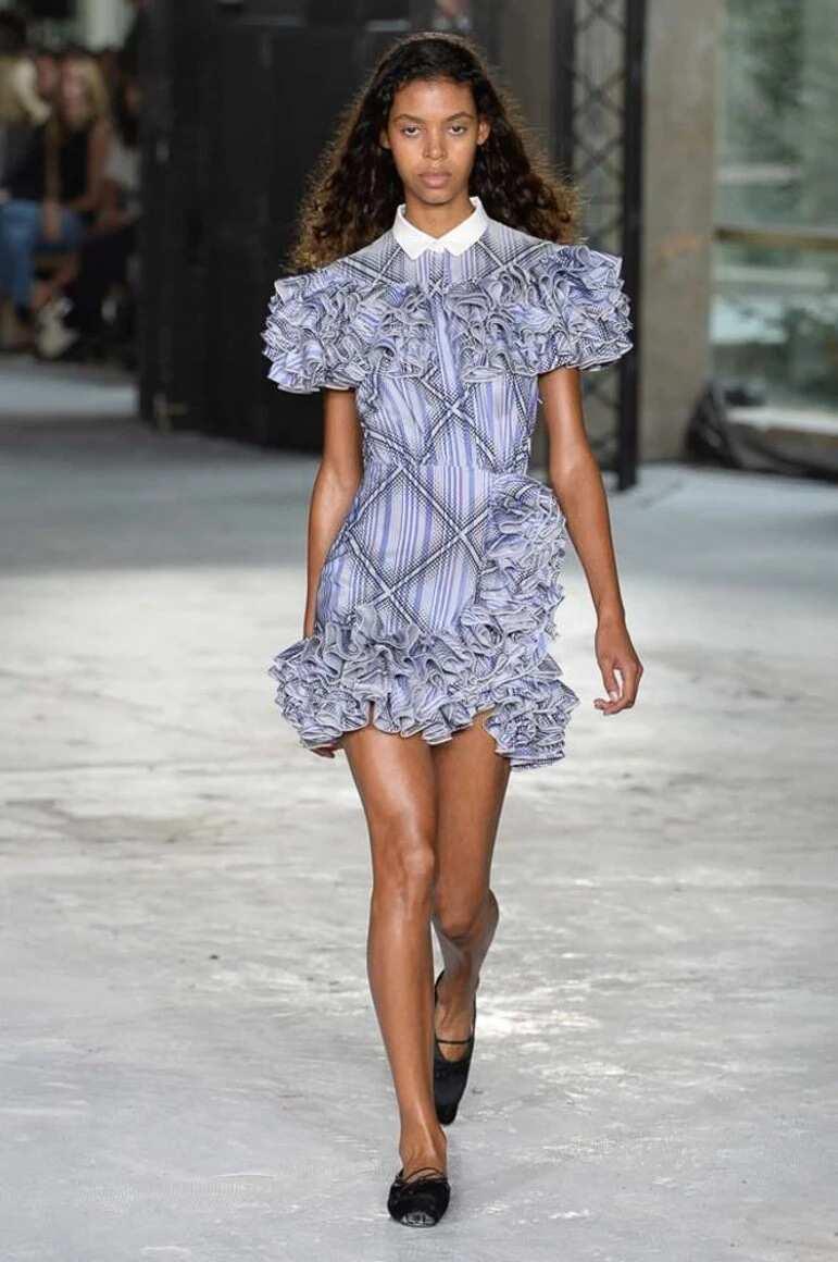 Short dress with frills