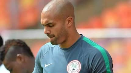 Pinnick and other top NFF officials make surprise hospital visit to Carl Ikeme, make emotional promise to the Nigerian goalkeeper