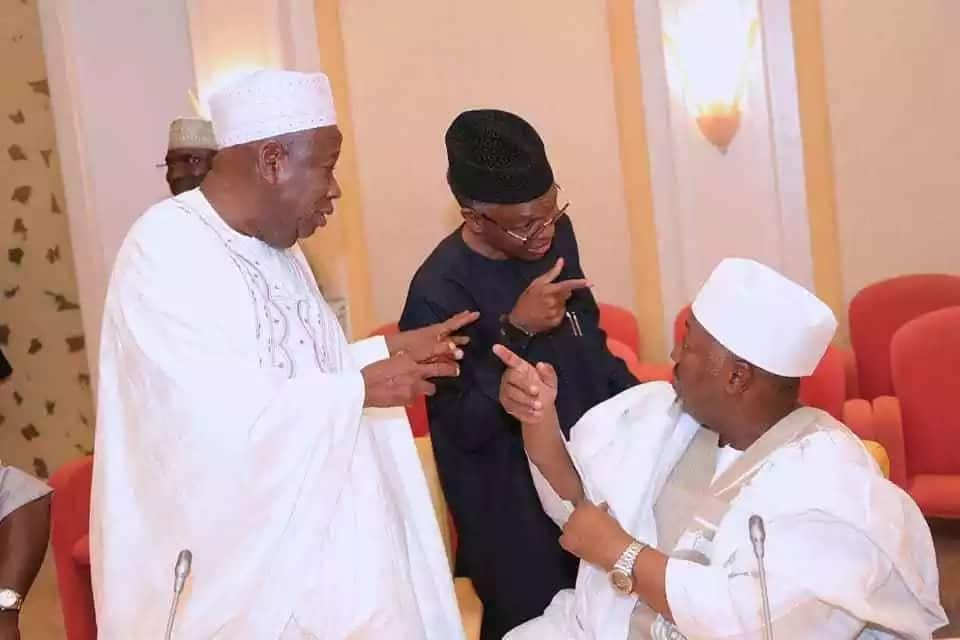 Mass defection: President Buhari holds important meeting with APC governors (photos)