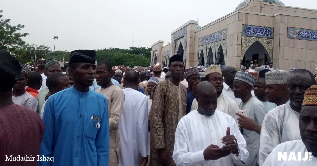 Tears as Governor Tambuwal's spokesperson Imam Imam is buried in Abuja (photos)