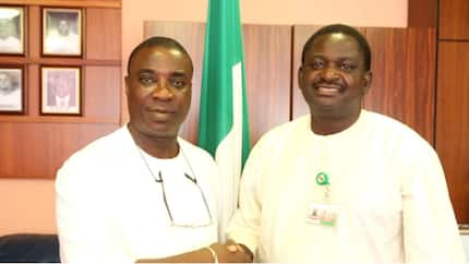 After performing song supporting Buhari's anti-corruption war, KWAM 1 visits presidential spokesman Femi Adesina