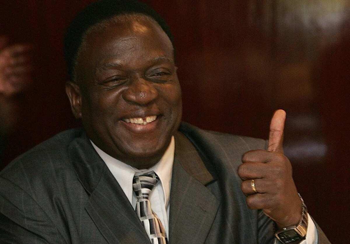 Kasar Zimbabwe ta sake fadawa cikin dambarwar siyasa