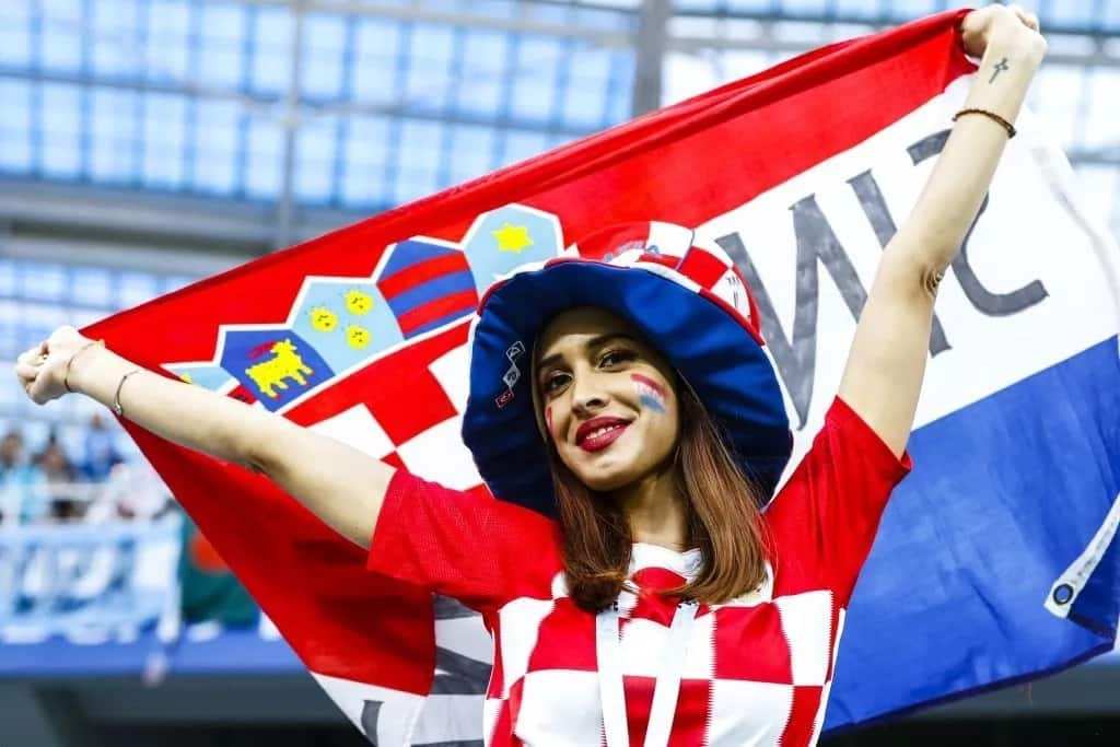 FIFA cautions broadcasters against picking out female fans during matches