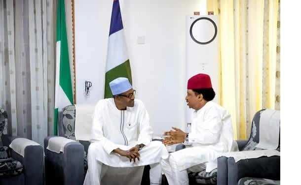 Cikin Hotuna: Shugaba Buhari ya gana da wasu Gwamnonin APC a garin Daura