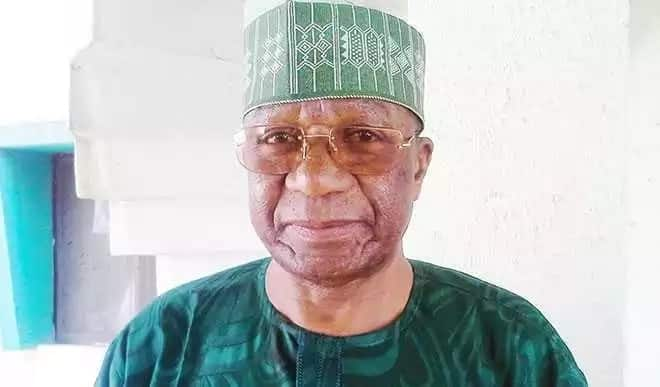 Governor Ayodele Fayose's aide, Lere Olayinka, announced the death of the administrator in a tweet today May 26