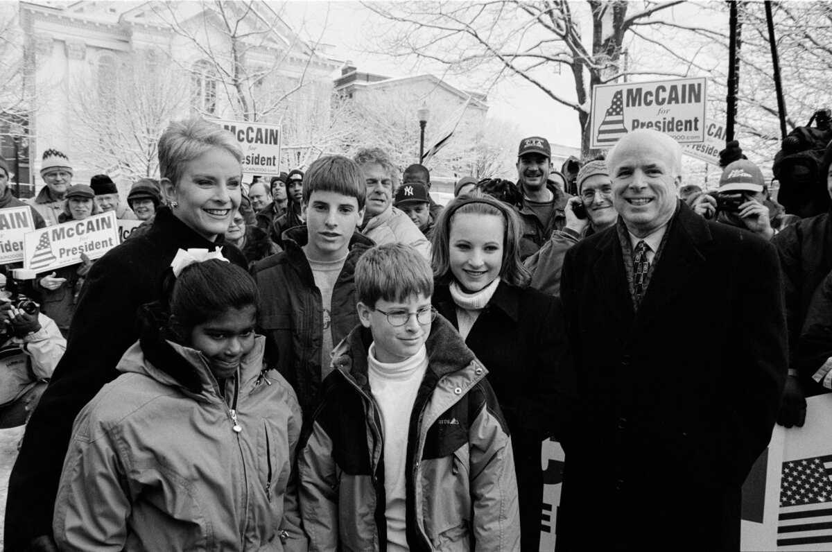 John McCain tare da iyalinsa a gangamin neman takarar shugabancin Amurka