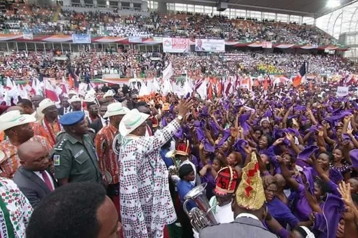 Just in: Akwa Ibom governor declares second term bid under PDP (photos)