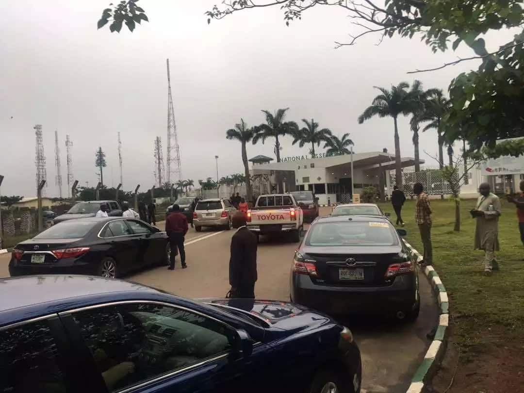 DSS operatives at the National Assembly. Photo source: Olu Onemola