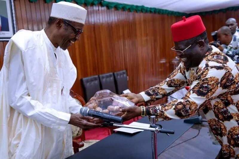 Bayan mai dakina, Buhari ne mutumin da nafi darajawa - Gwamnan PDP