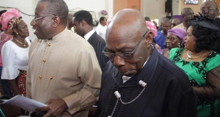 Obasanjo meets Jonathan again,worships with him at Otuoke
