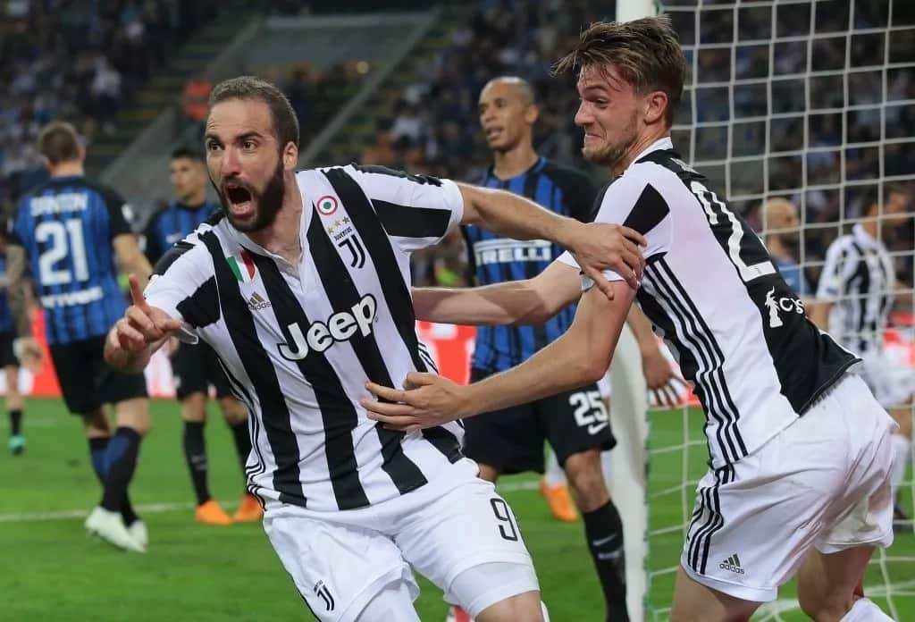 Chelsea plot £89m deal for Juventus Gonzalo Higuain and Daniele Rugani
