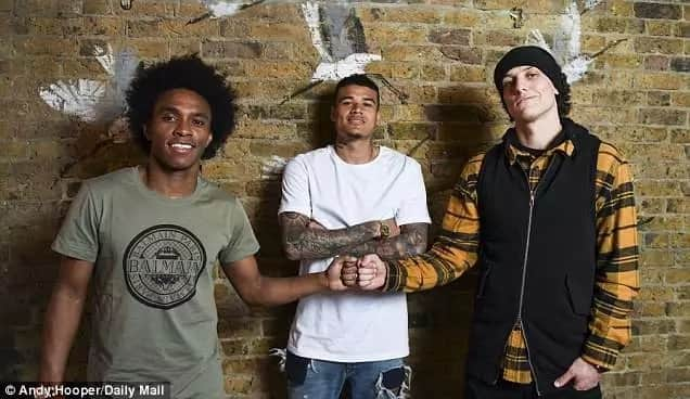 Kante, Giroud, others come out to support Luiz and Willian's new restaurant