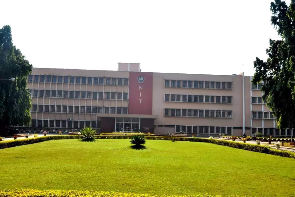 Cheap universities in India for international students