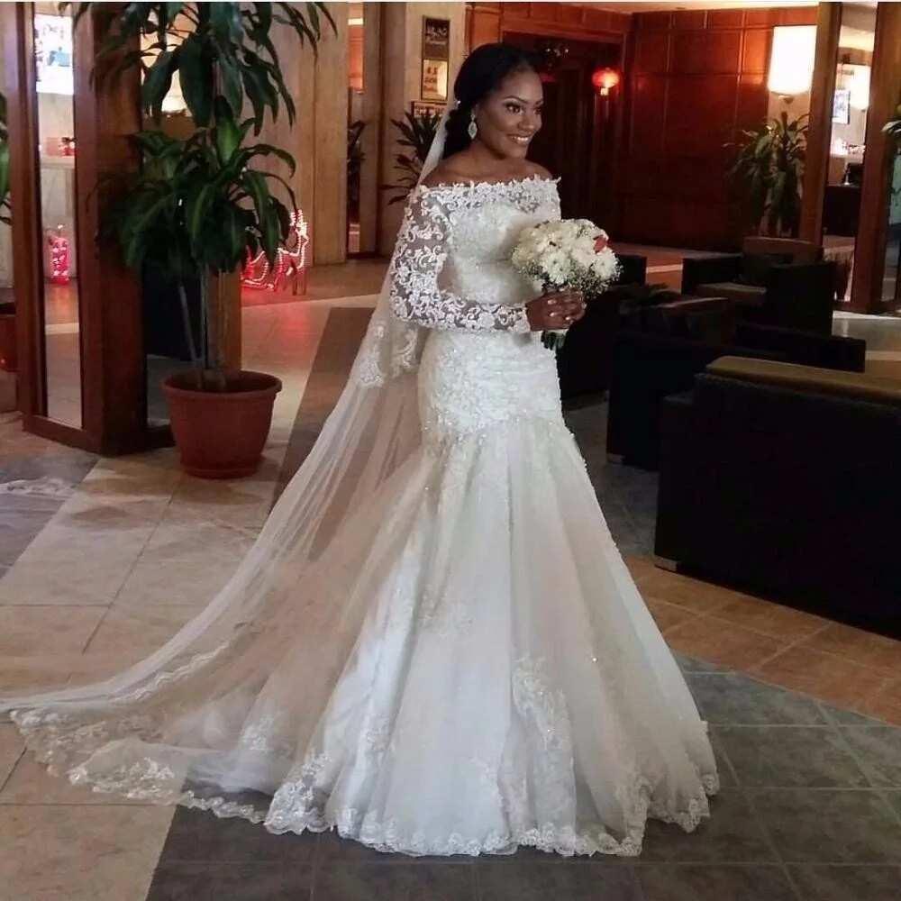 2018 Wedding Dresses with Straps