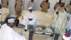 Hotuna: Kungiyar Izala sun ziyarci Khalifah Tijjaniyya na Afirika, Sheikh Isyaku Rabiu