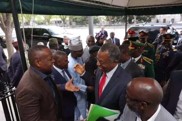 Cikin Hotuna: Dangote da wasu jiga-jigan 'yan Najeriya sun ziyarci Buhari a Amurka