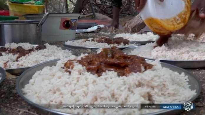 Kalli yadda mayakan Boko Haram suka gudanar da bikin Sallah a dokar daji (Hotuna)