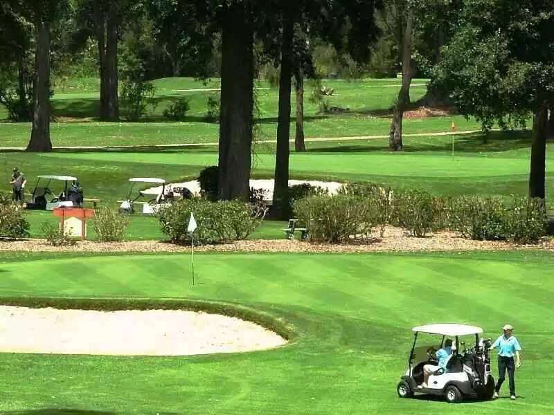 Hilltop Golf Resort