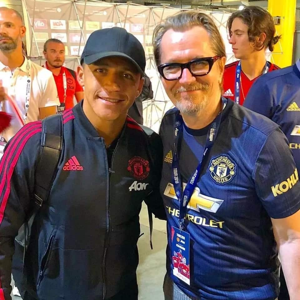 Sanchez spends time with Hollywood stars after pre-season win over AC Milan