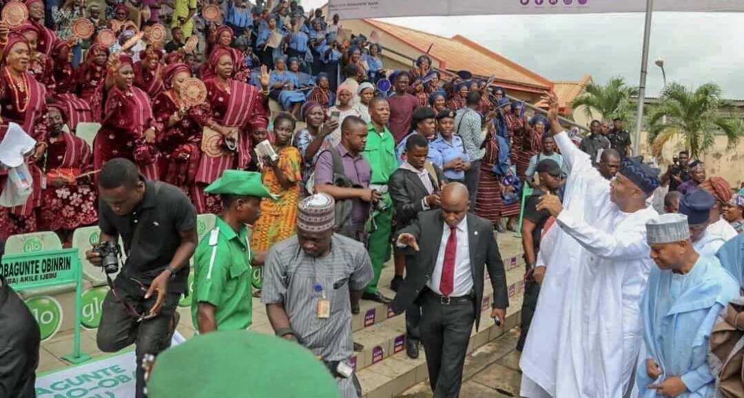 Saraki arriving the venue of the Ojude Oba festival. Photo source: Twitter, Bukola Saraki