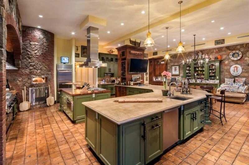 Inside Aliko Dangote's Luxurious Mansion