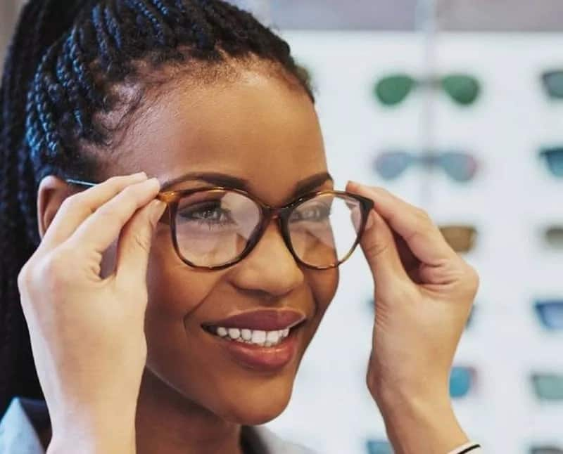 Can groundnuts or peanuts be used for eye health?