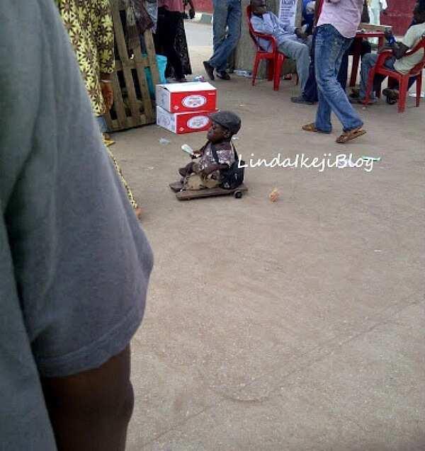 Shortest man in Nigeria - Linda Ikeji blog